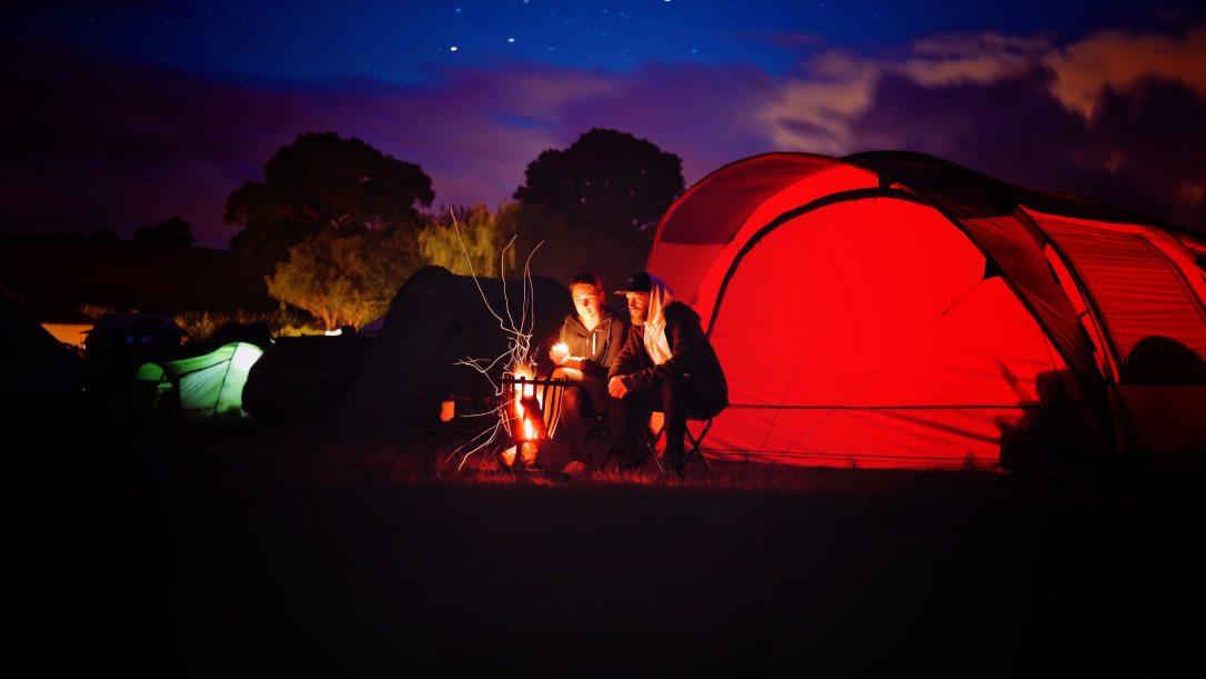 adventure-backlit-camper-776117